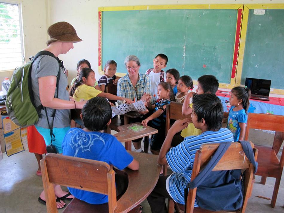 Teachers Institute's visit to Golden Stream school.